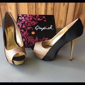 Size 8 Gold and black heels